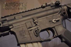KAC Stoner Rifle SR-16 VFC Airsoft Gun Knights Armament at SHOT Show
