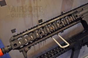 SHOT SHOW 2012 VFC Airsoft Rifle Knight's Armament SR-16 Carbine