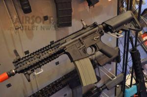 Knight's Armament SR-16 CQB airsoft Rifle VFC KAC SR16 at SHOT Show